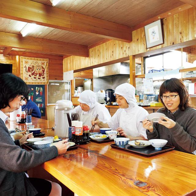 画像: 「お弁当いらずで助かる」「旬の味がいろいろ楽しめる」と、社員や研修生から、社員食堂は大好評