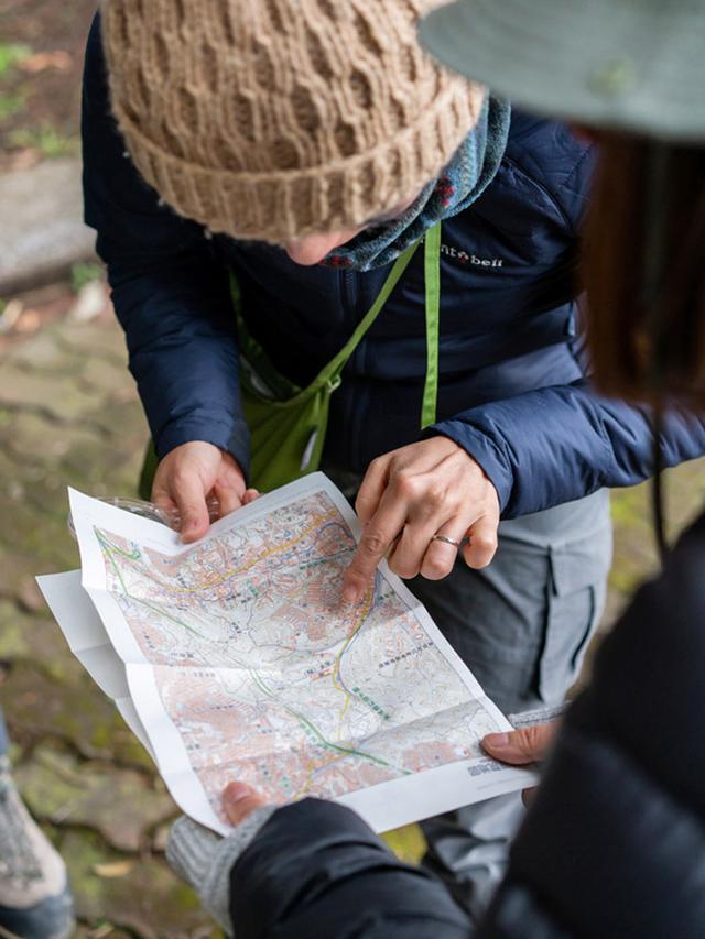 画像: 地図で見る限り、お寺までそう遠くなさそう。でもこけを見ながらだとすると……、いったいどこまで行けるかな?