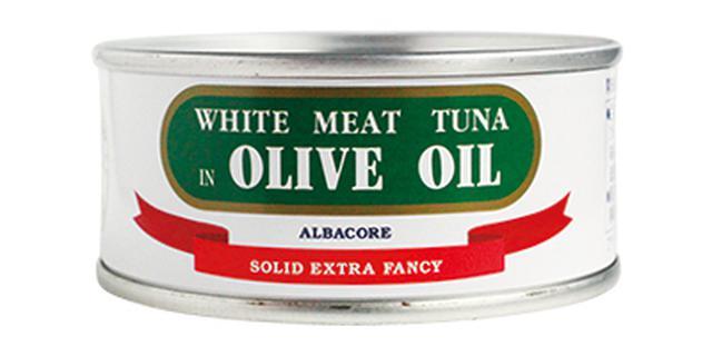 画像: 使用したのは 「特撰まぐろオリーブ油漬ファンシー」90g/由比缶詰所