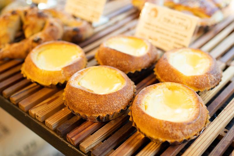 画像: ブリオッシュ生地のクリームパン「ブリオッシュクリーム」。マスカルポーネチーズが加わったコクのあるクリームが絶品