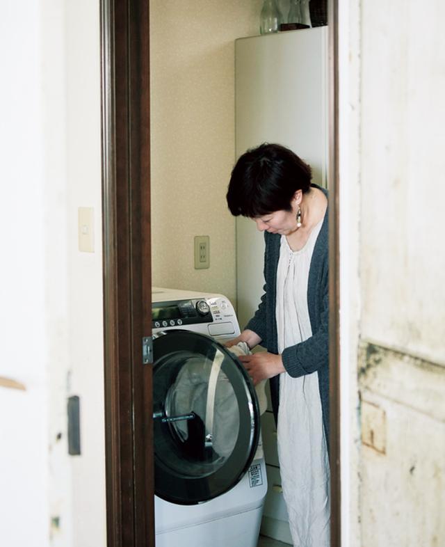 画像: 4:10 洗濯機をまわす