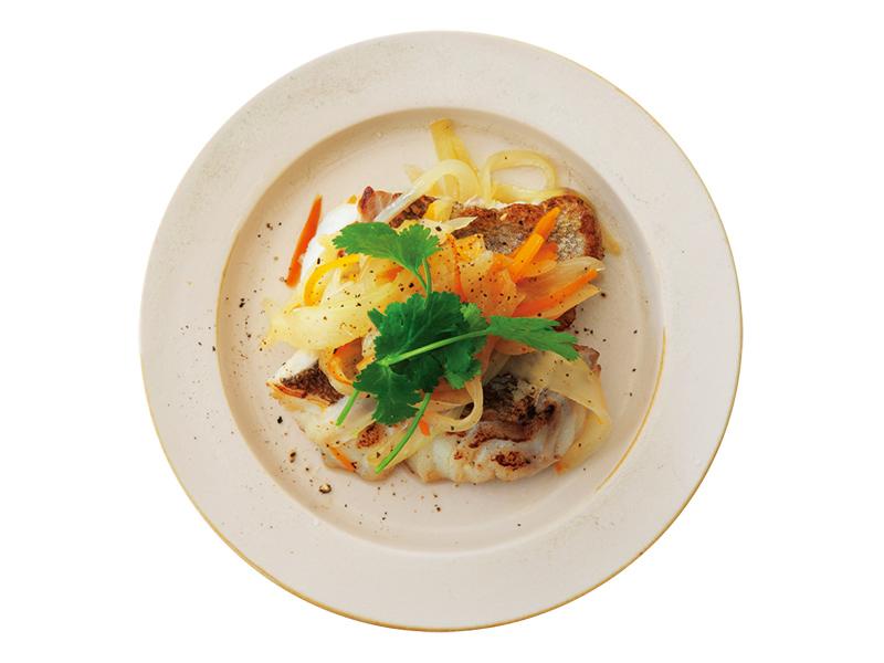 画像: アレンジ① 白身魚と香味野菜のソテー