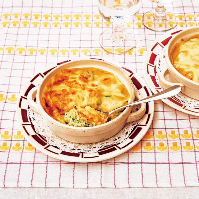"""画像: 堀江家では、朝ごはんに出ることも多かったというライスグラタン。ひとりひと皿で出されるという、""""個別""""な感じがとてもうれしかった記憶"""