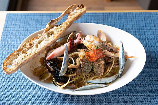 画像: アドリア海を望む港町・トリエステは、東ヨーロッパへの入り口でもあり、歴史的、地理的にさまざまな国の影響を受けた食文化が特徴。ペスカトーレなど魚介を中心とした料理も多い。
