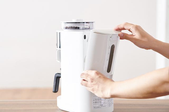 画像: 給水タンクは取り外しできるから、給水がしやすく、お手入れも楽々