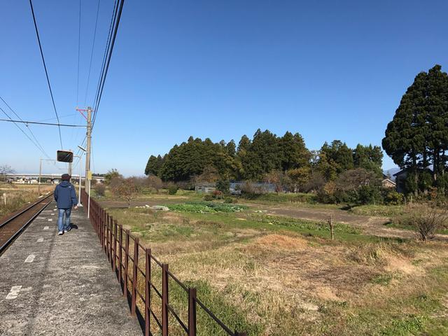 画像: 沢中山駅のプラットホーム 富山ではレアな駅徒歩圏内