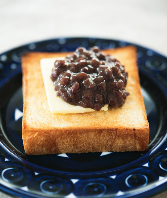 画像: あんバタートーストのつくり方
