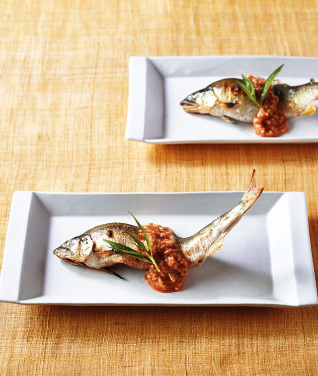 画像: 「鮎の塩焼きと、とり酢味噌」のつくり方