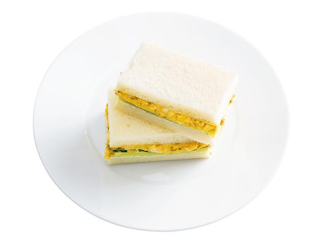 """画像: 「のり玉サンド」つぶしたゆで卵にマヨネーズ、塩、こしょう、そして、砂糖の代わりに甘辛い""""のりの佃煮""""を。一気に和の雰囲気に。"""