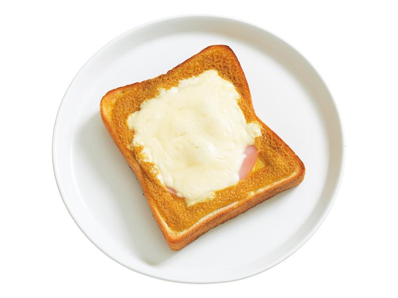 画像: 「カレードテマヨトースト」カレー味のマヨネーズに、たっぷりのピザチーズ。子どもから大人まで、みんなが大好きな鉄板の味です。