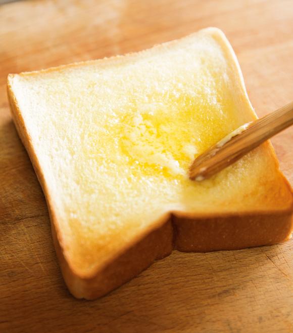 画像: ごはんに合うものは、結局、パンにも合う