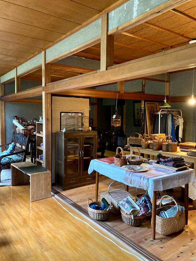 画像: お店となる部分。八畳の和室2部屋。