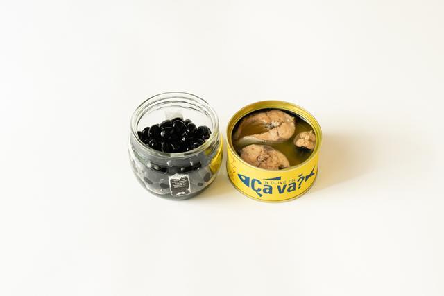 """画像: 腎陽の血虚タイプ・私(井尾)の""""おまもり""""食材は「黒豆と魚(写真はサバ缶)」でした。"""