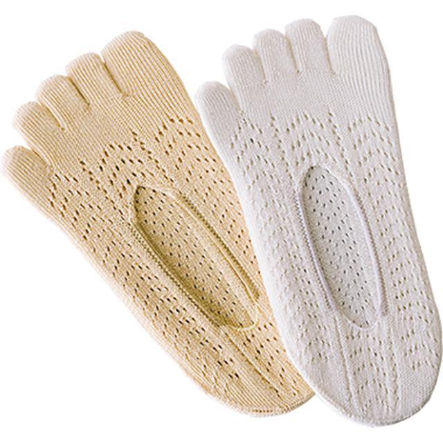 画像: レースの5本指靴下が1セットに1足付きます