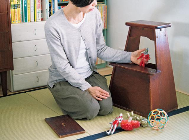 画像: 1 風情ある踏み台にはおもちゃを収納
