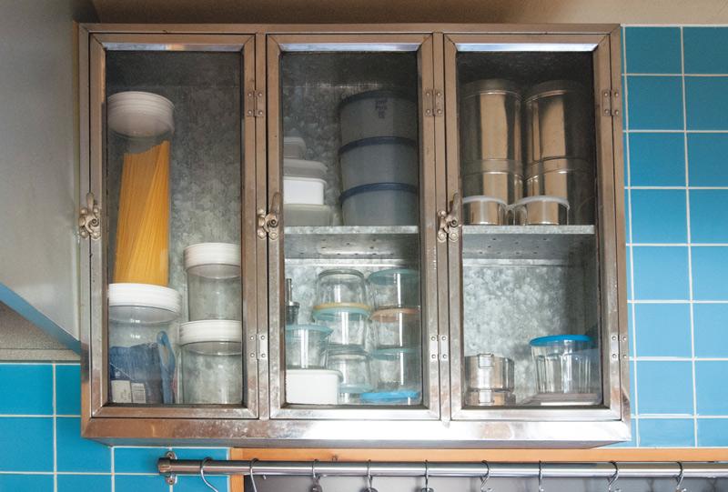 画像: 棚も、その中の容器も「見える化」