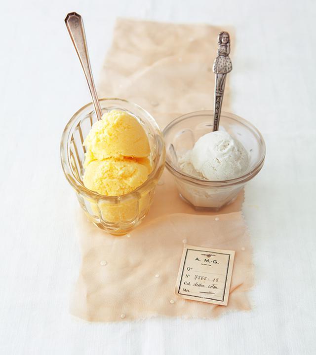 画像: (左)パイナップルとヨーグルトのシャーベット/(右)ココナッツと練乳のジェラート