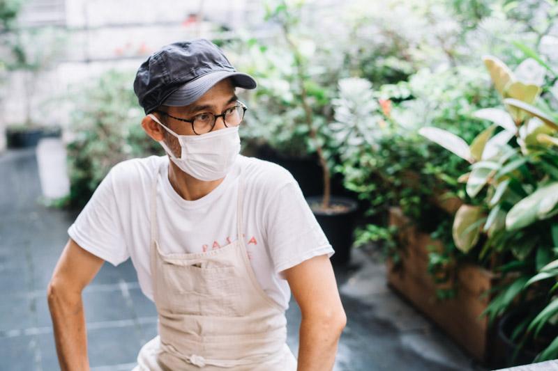 画像: 店主の樽井さん。いい具合に力の抜けた話しぶりながら、パンづくりへの真剣な想いが伝わってきました