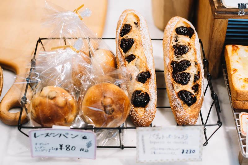 画像: パンにはすべて自家培養の酵母を使用。酵母はブドウから起こしたものを毎日小麦でつないで、大切に使う