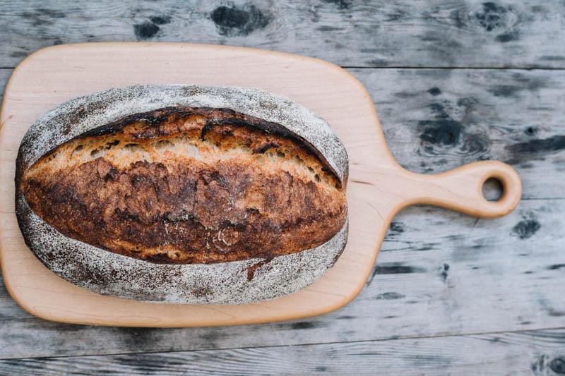 画像: 「最近では若い人も買ってくれるようになりました。酵母パンの味わい深さを皆さん好きになってくれたかなって」と樽井さん