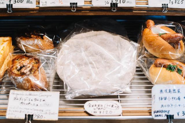 画像: 国産小麦と自家製酵母で焼き上げる、味わい深いパンが揃う