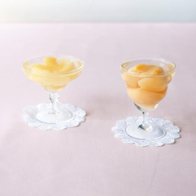 画像: (左)洋梨のコンポートゼリー (右)桃のコンポートゼリー