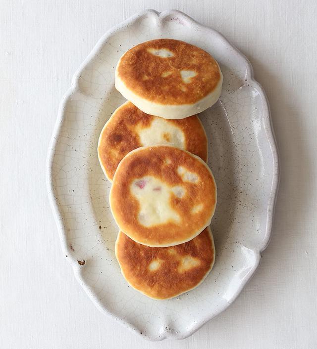 画像: ビーツ入りチーズパン