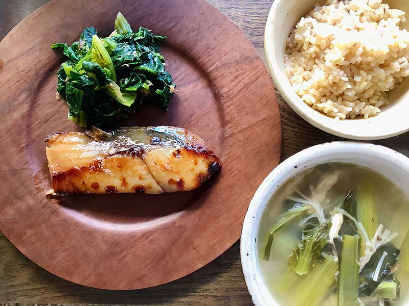 画像: 「玄米ごはんと味噌漬けの魚」 麹のありがたきうま味