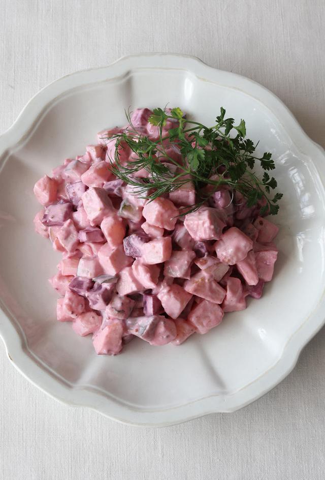 画像: ビーツの甘酢漬けを使って エストニア風サラダの作り方