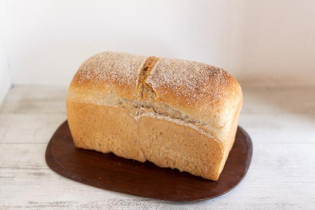 画像: 「食パン」は水を多く加えることで、しっとりもちもちした食感に