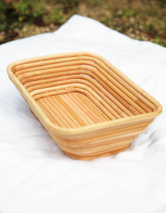 画像: 直径8mmの太い籐で制作した、カンパーニュを発酵させるためのブレッドバスケット。レストランからのオーダーでつくられた