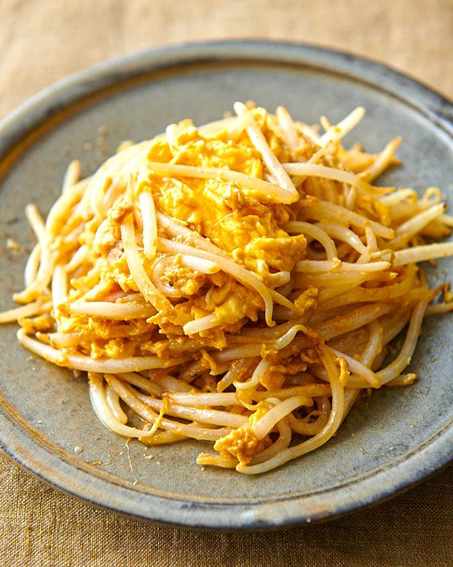 画像: モヤシのシャキシャキ食感に箸が進む「モヤシと卵のオイマヨ炒め」