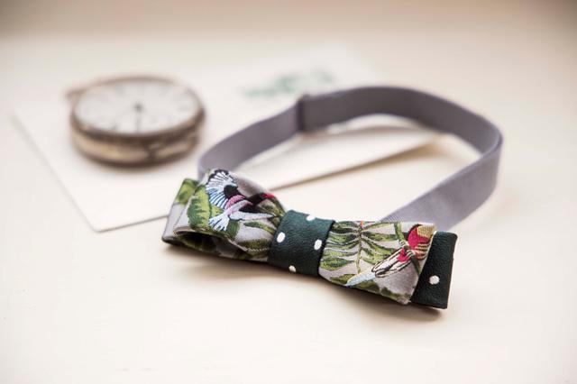 画像: 蝶ネクタイ:ネクタイのリメイク。少しのアイテムをプラスするだけで、シャツ1枚でもぐっとおしゃれに。