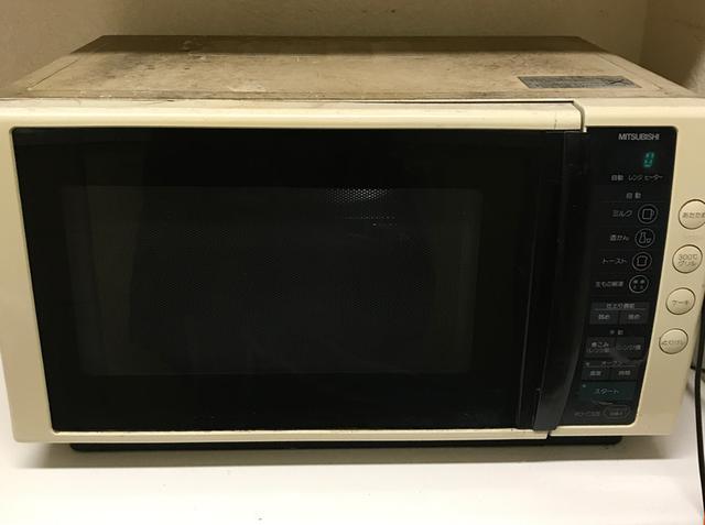 画像: 以前使っていたオーブン。とても丈夫で、四半世紀活躍してくれましたが、さすがに20年を過ぎた頃から内心ヒヤヒヤしながら使っていました……