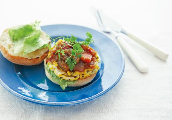 画像: SAND チーズオムレツ&ラタトゥイユのサンドイッチのつくり方