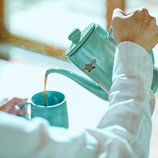 画像: スリムポットは、熟練の職人により一点一点手づくりされている