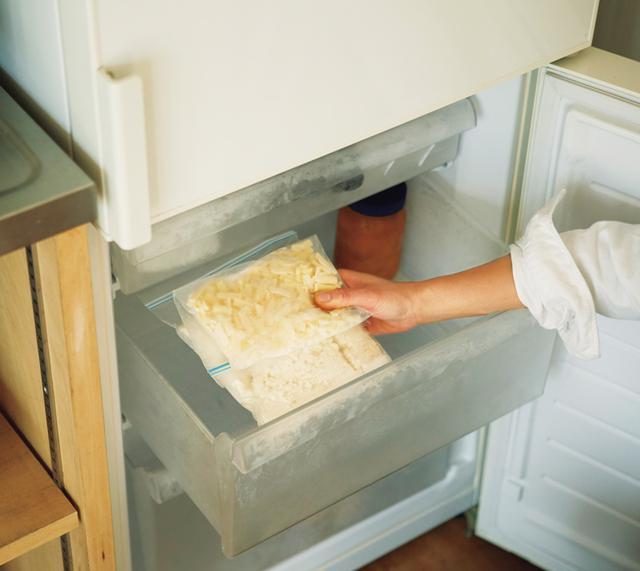 画像: 給料日前に冷凍庫の掃除