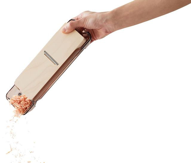 画像2: 鰹ぶしの手削りが習慣づく、使い勝手抜群の「鰹ぶし削り器」