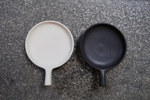 画像: 直火とオーブン対応の「平パン」は小・中・大・特大の4サイズ