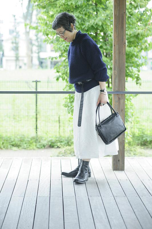 画像: 秋冬にはあえて真っ白のスカートをはくと、すーっと明るい気持ちに