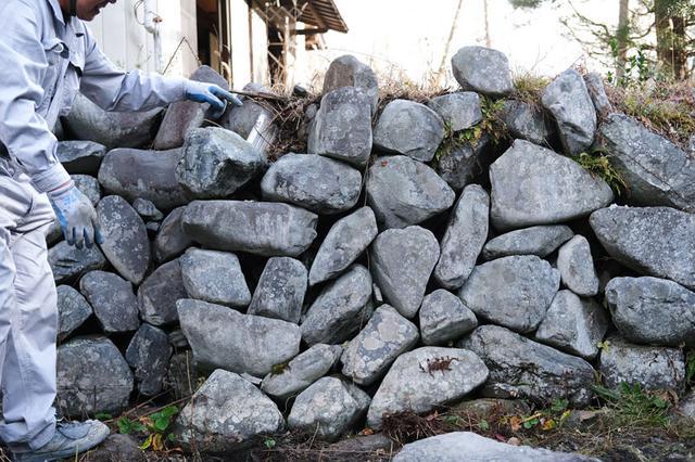 画像2: コンクリートを使わない、「空石積み」の技と知恵を垣間見る