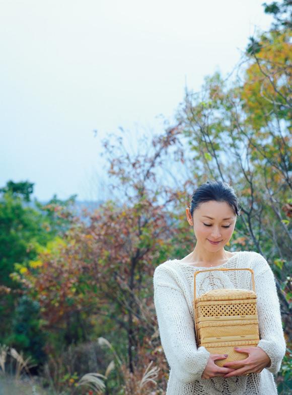画像1: 雅姫さん 繊細で美しい模様を描くあめ色の竹細工を求めて