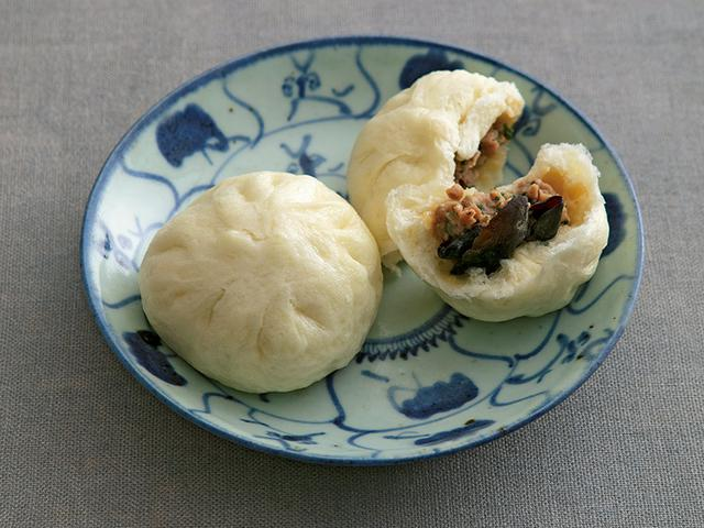 画像: 巻頭料理 ウー・ウェンさん ほかほか肉まんと、体を温めるスープ