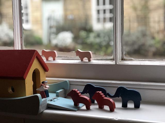 画像: ノアの箱舟をイメージした、わが家の窓