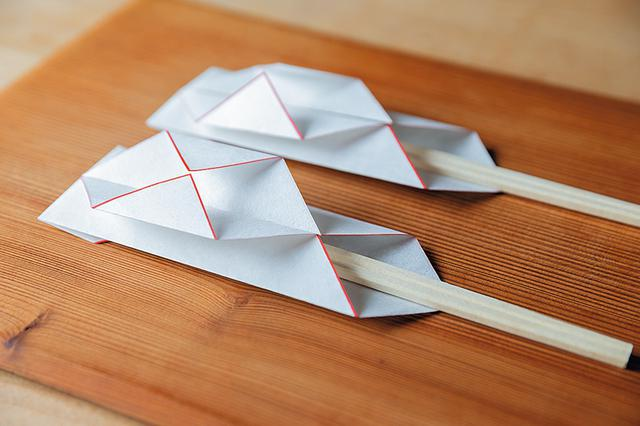画像: 箸袋の折り方は簡単なので、覚えておくと、ちょっとしたお祝いごとにも便利に使えそう