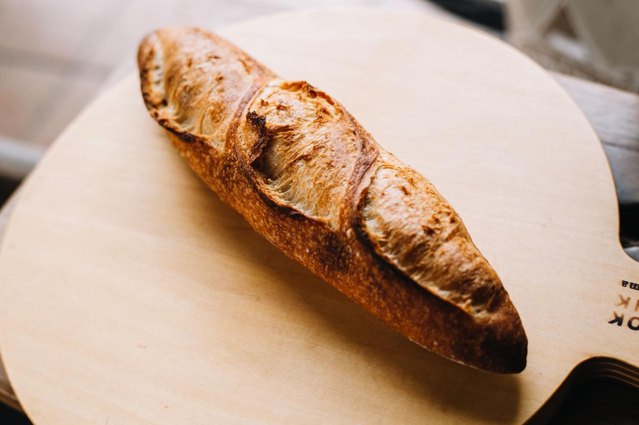 画像: こちらが自慢のフランスパン。250円という買いやすい値段