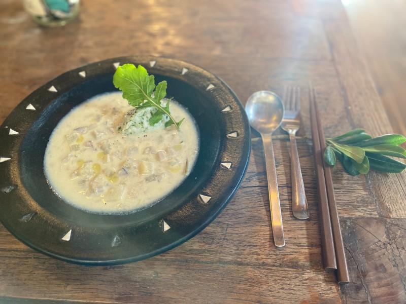 画像: 【スープ】ホワイトシチュー 青のり風味の里いもマッシュ