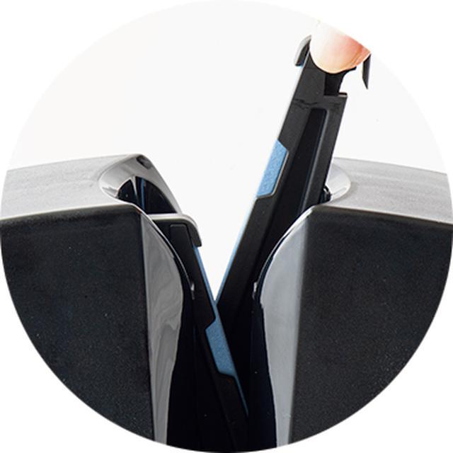 画像: アダプターは、本体から簡単に引き抜いて交換が可能。砥石もアダプターの着脱が簡単にできる