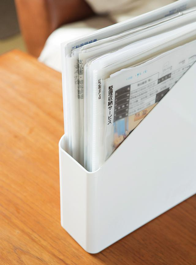 画像: 見やすい位置にラベリングをした書類