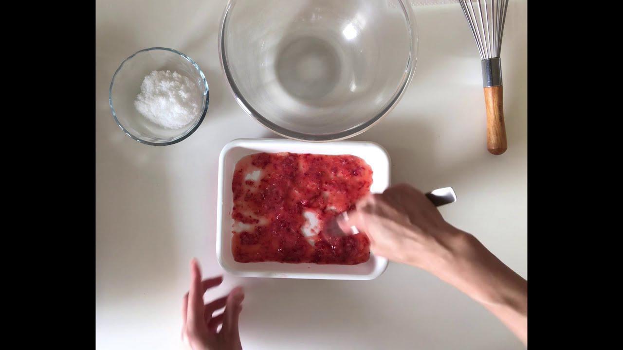 画像: 【つくり方8~12まで】はなのお菓子|米粉のココア&いちごロールケーキ ~いちごクリームをつくる|天然生活web youtu.be